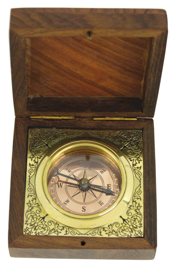 Exquisite Compass in Finely Crafted Wooden Box